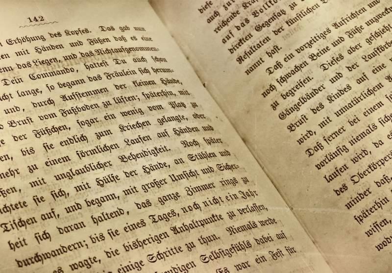 یک کتاب به زبان آلمانی