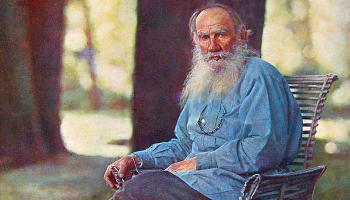 لئو تولستوی از بزرگترین نویسنده های روسی