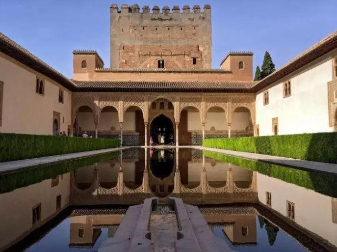 نمونهای از معماری عرب در اسپانیا